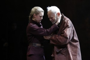 Lear and Cordelia (Carol Rosegg / Broadwayworld)