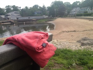Red towel in Short Beach